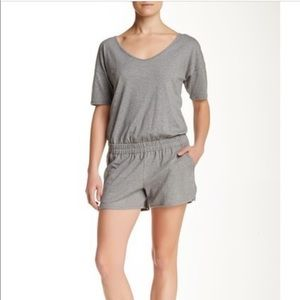 Theory size small romper
